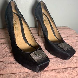L.A.M.B Gwen Stefani peau du soie platform heels